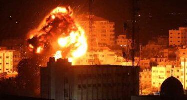 Dopo un missile su Tel Aviv Israele bombarda Gaza a tappeto