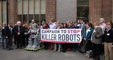 Robot killer, le armi diventano autonome. Intervista a Wim Zwijnenburg