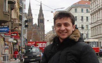 Il comico Zelensky stravince in Ucraina, Poroshenko accusa i «troll russi»