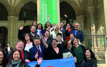 A Vienna il comune rosso-verde festeggia con la comunità rom