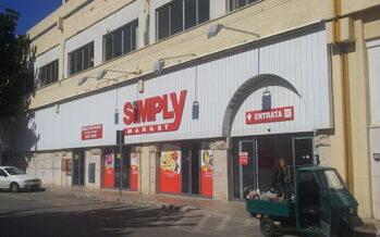I supermercati Simply in vendita, scioperano i lavoratori