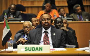 Il Sudan stanco della black list consegna al Bashir all'Aia