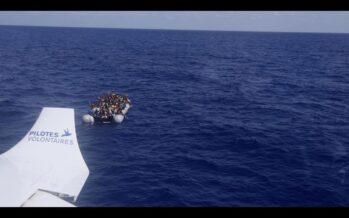 Migranti. La nave di Sea Watch riprende il mare e salva 65 naufraghi