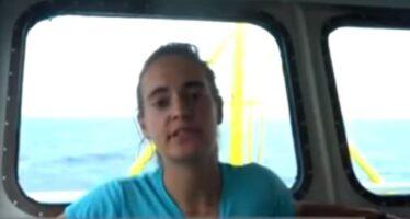 La comandante della Sea Watch 3 Carola Rackete: «So cosa rischio, ma li porto in salvo»