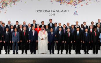 Al G20 di Osaka fotografia di gruppo con assassino