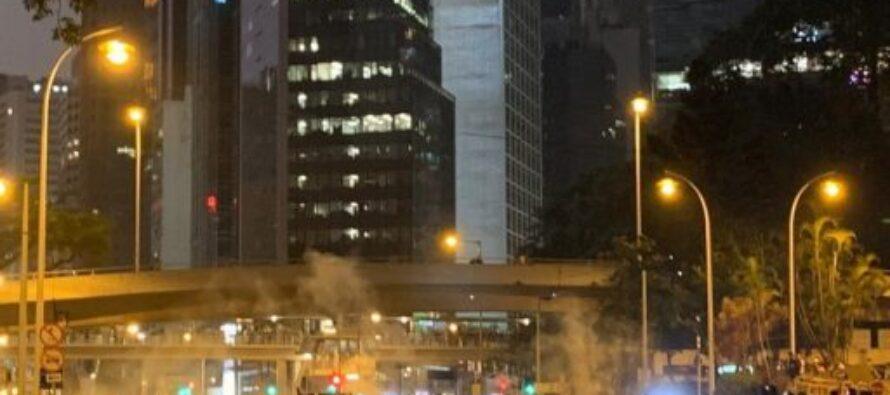 Scontri e proteste a Hong Kong contro la Cina continentale