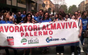 Licenziamenti. Almaviva Palermo: i lavoratori protestano, il governo latita