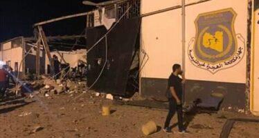 Dopo la strage nel lager di Tajoura, Tripoli minaccia: liberiamo tutti i migranti