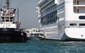 Venezia. Finalmente le grandi navi bloccate, ma solo sino a fine anno