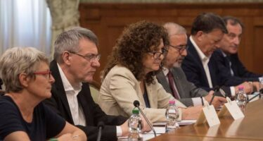 Conte incontra i sindacati e promette: sicurezza e meno tasse sul lavoro