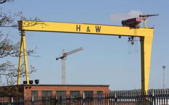 Belfast, gli operai occupano i cantieri navali del Titanic