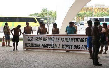 Pandemia. Così il Brasile di Bolsonaro falsifica i dati sulla mortalità indigena