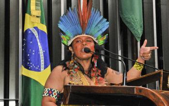 Bolsonaro all'attacco dei territori amazzonici e delle comunità indigene
