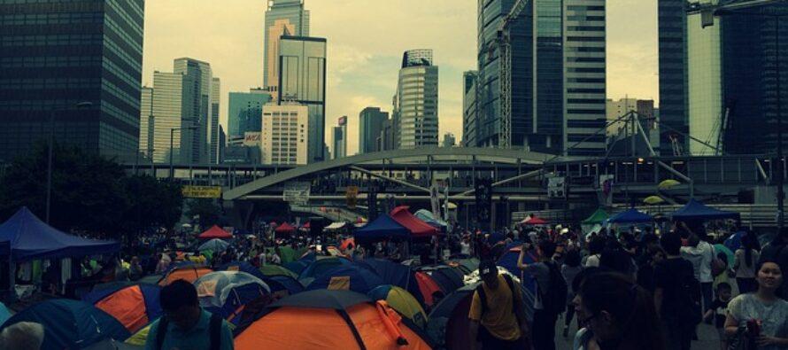 Fine settimana di scontri a Hong Kong, per la Cina una «Sfida intollerabile»