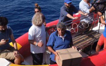 Mare Jonio allo stremo, al largo con 34 naufraghi e senza acqua dai rubinetti