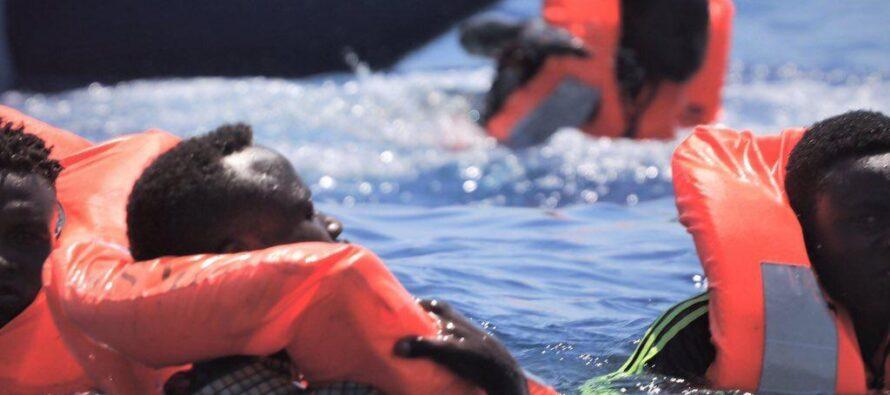 Migranti. Più di 500 salvati dalle ONG bloccati al largo