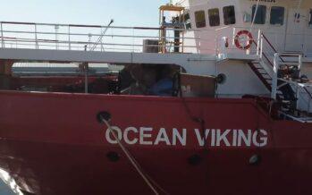Migranti, la Ocean Viking con 116 naufraghi arriva ad Augusta