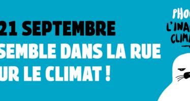Parigi, il ritorno dei gilet gialli alla marcia per l'ambiente e la giustizia sociale