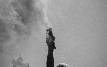Cresce la protesta in Cile. La testimonianza del fotografo Alejandro Castillo
