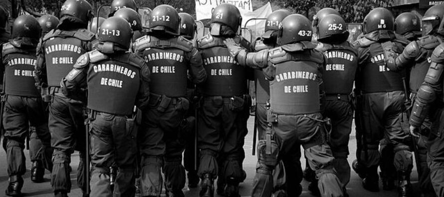 In Cile, «stupri per punire le donne manifestanti». Amnesty condanna