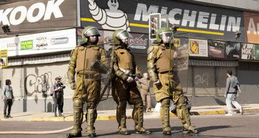 Cile. Undici vittime nella rivolta popolare contro il governo Piñera