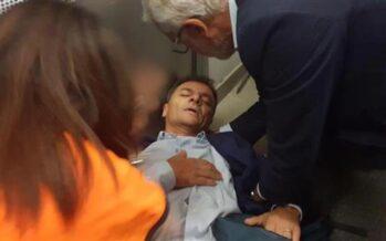 Roma. Rifiuti e metropolitane, la polizia carica i lavoratori Atac, Fassina ferito