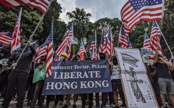"Trump firma la legge ""pro proteste"" di Hong Kong e la Cina si innervosisce"