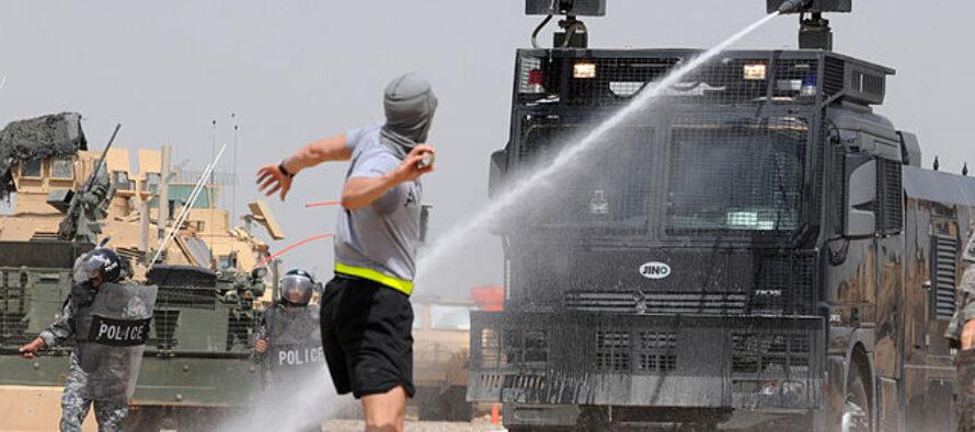 Proteste in Iraq, massacro della polizia: «Le strade sono piene di sangue»
