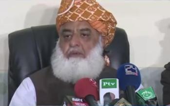 Pakistan. La marcia della libertà del teologo anti-Imran Khan