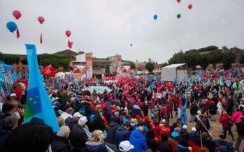 Decine di migliaia di pensionati a Roma dicono al governo: «Non siamo invisibili»