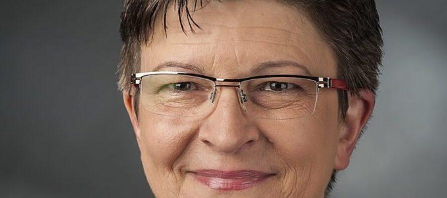Germania. Spd, vince la coppia critica della coalizione con Merkel