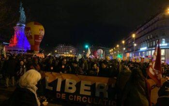In Francia esplode la collera contro la riforma delle pensioni