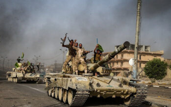 Iraq. Kamikaze al mercato della capitale, decine le vittime