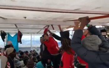 Migranti.Via libera a Open Arms per sbarcare a Pozzallo 363 naufraghi