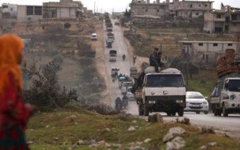 Truppe turche in marcia su Idlib, allarme ONU: 900mila nuovi sfollati