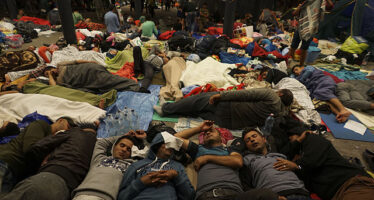 La Turchia schiera altri mille soldati per bloccare il ritorno dei migranti
