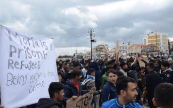 Grecia.Lesbo assediata: aggressioni fasciste e spari sui migranti