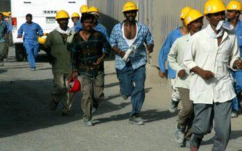 Covid-19. I paesi del Golfo si liberano dei lavoratori migranti