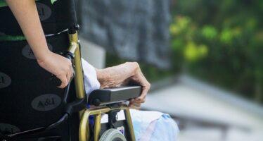 A marzo quasi 7mila anziani deceduti nelle RSA, metà in Lombardia