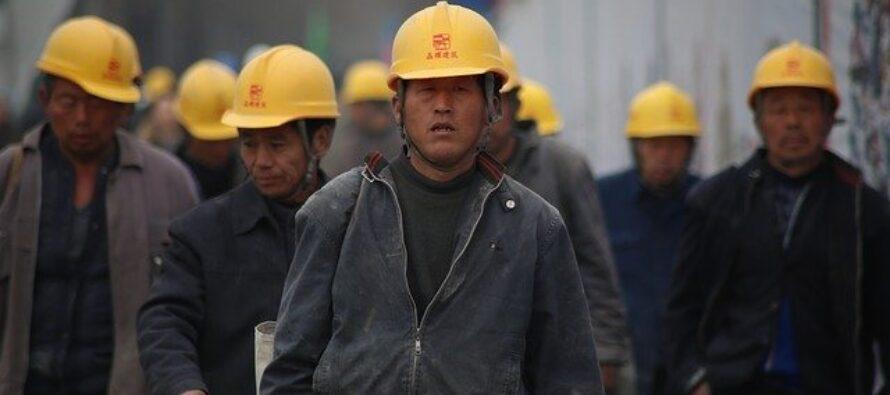 Cina.L'economia stenta, estesi i diritti dei lavoratori migranti