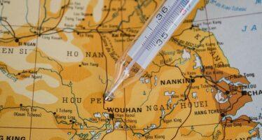 Pandemia. In Cina 31 nuovi contagi a Pechino, le autorità richiudono