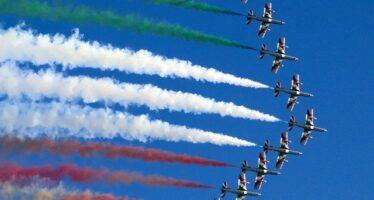 Don Renato Sacco di Pax Christi: basta frecce tricolori, sanno di guerra