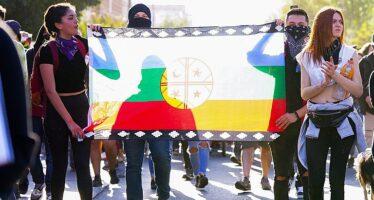 Crimini dell'estrattivismo. La Patagonia brucia, ma la destra accusa i «terroristi mapuche»