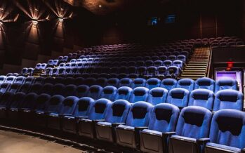 Lockdown per cinema e teatri, il mondo della cultura si ribella