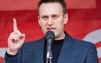 Navalny, l'oppositore di Putin, fermato al rientro: 30 giorni di arresto