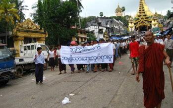 Myanmar. Dopo il golpe continuano le proteste, migliaia per strada