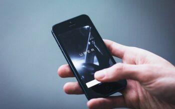 Regno Unito. I giudici obbligano Uber ad assumere 70mila autisti come dipendenti