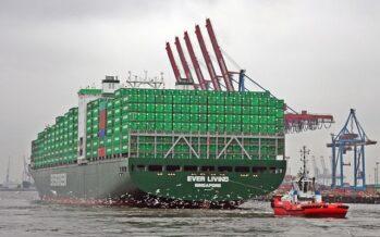 Egitto/Suez.L'alta marea sblocca la portacontainer, ma non salva la faccia a El Sisi