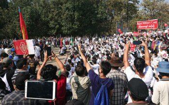 Myanmar. Continuano i massacri e le proteste, nonostante la legge marziale