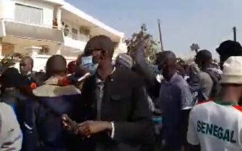 Senegal in fiamme dopo l'arresto del leader dell'opposizione Ousmane Sonko